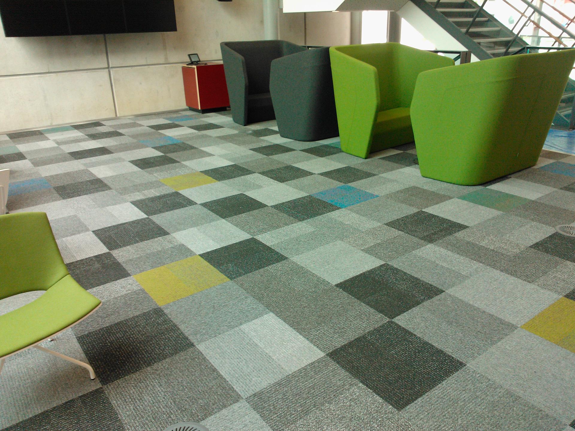 Vinyl tiles black and white checkered tile tile design for Cheap lino flooring and fitting