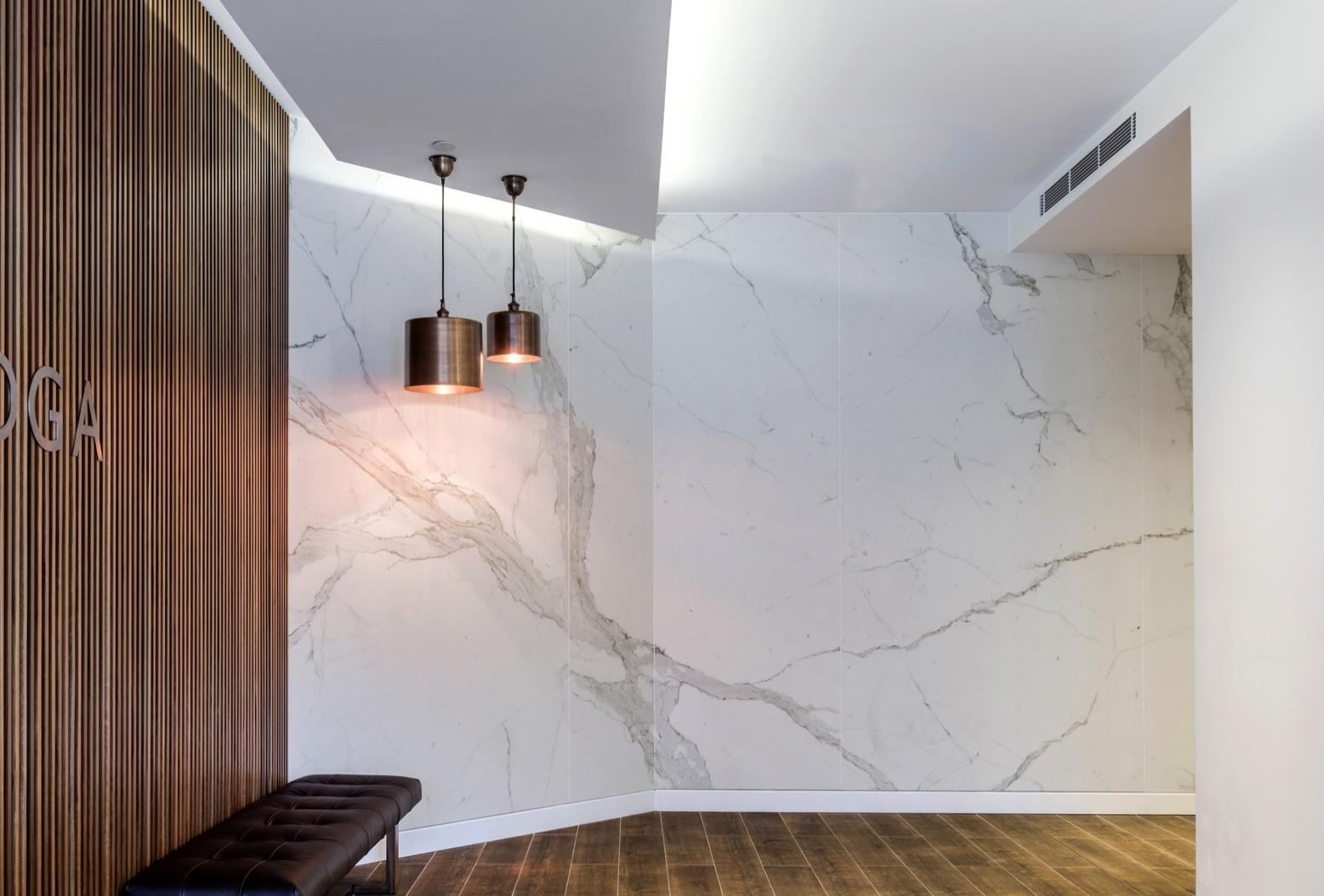 Lighting Basement Washroom Stairs: MAXIMUM Calacatta Porcelain Panels By Artedomus